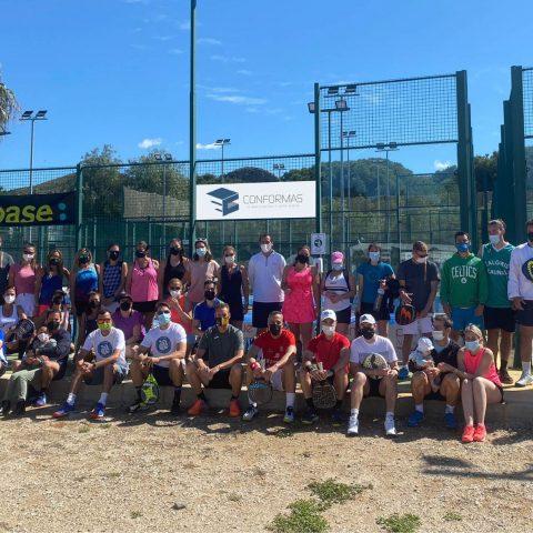 Fundación Victoria disfruta del deporte en el X Torneo de Pádel